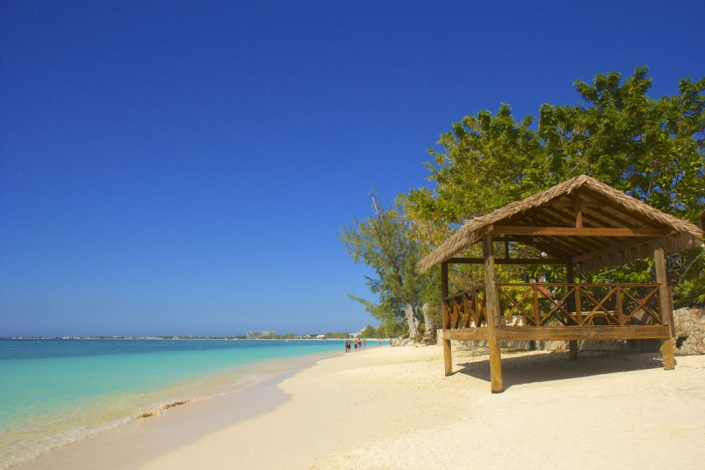 Seven mile beach in Grand Cayman, Caribbean