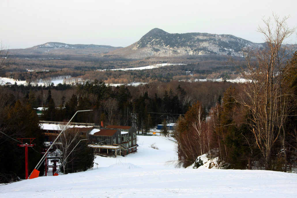 Owls Head Ski Resort, Owls Head, Eastern Townships, Quebec, Canada, lodge, Owls Head Auberge,
