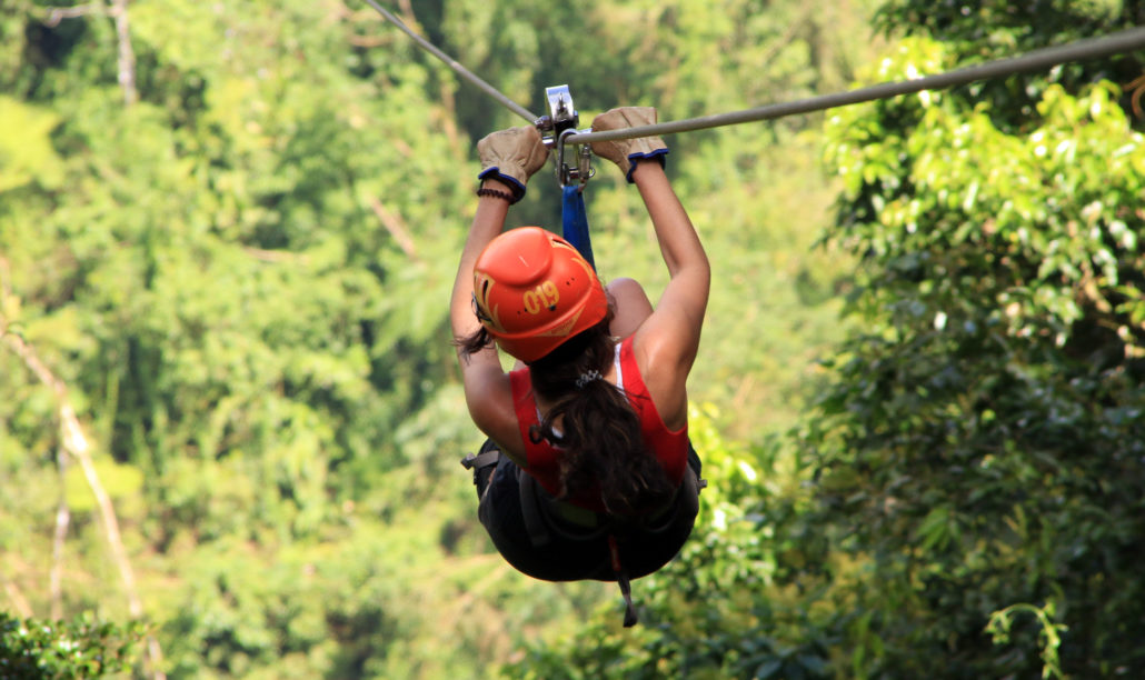 Canopy zip lining tirolesa in Costa Rica Tour