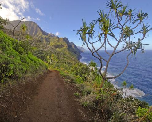 Rugged Coastline and Cliffs along the Kalalau Trail of Kauai, Hawaii. Oahu, islands.