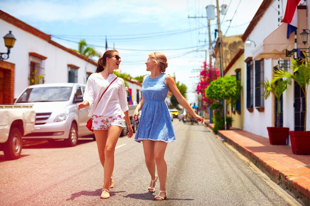 girls on walking tour