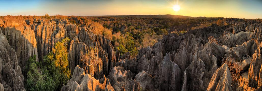 Tsingy Madagascar panorama