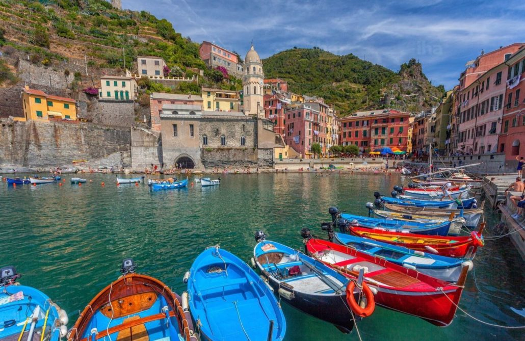 Vernazza-Port-of-vernazza