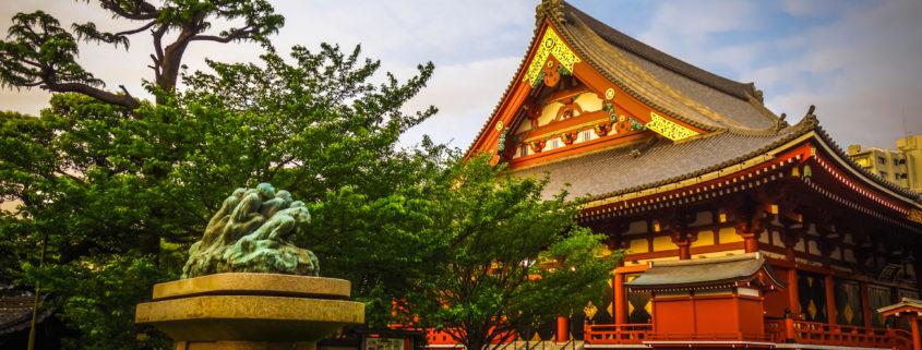 Senso-ji temple Hondo at sunset, Tokyo, Japan