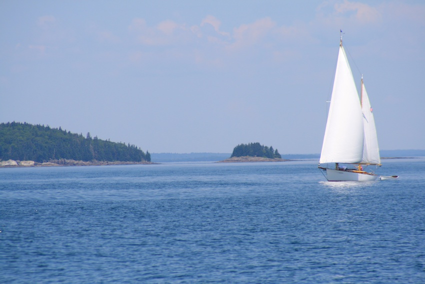 sailboat-credit-heather-anderson-and-bar-harbor-chamber-of-commerce_26058234994_o