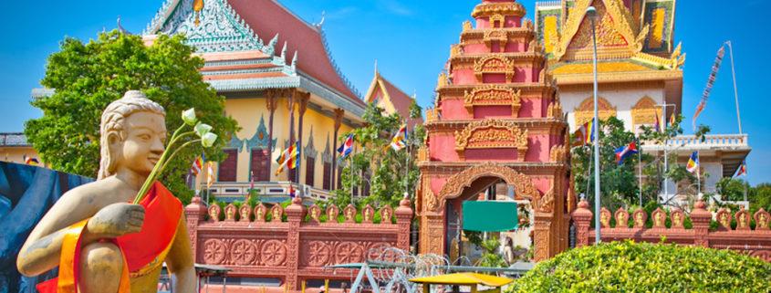 Wat Ounalom Pagoda, Phnom Penh, Cambodia© Aleksandar Todorovic | Dreamstime.com