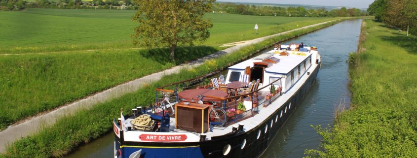 Cruising © European Waterways