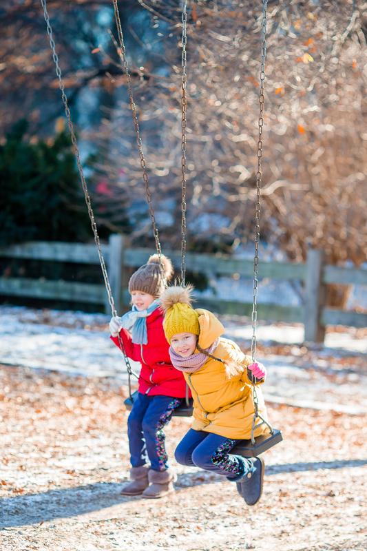 Girls playing in Central Park © Travnikovstudio - Dreamstime.com