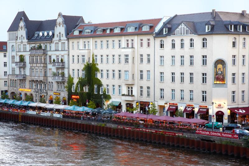 Restaurants on Spree River, Berlin