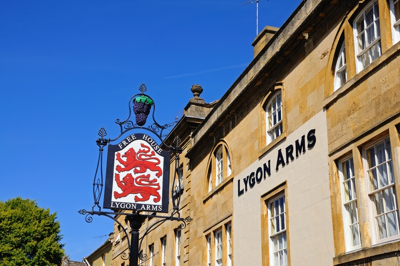 The Lygon Arms, Cotswolds, Chipping Campden, England © Arenaphotouk | Dreamstime.com