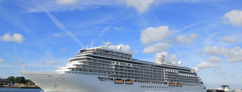 Regent Seven Seas Explorer © Studioportosabbia | Dreamstime.com