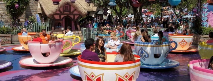 Mad Hatter Tea Cup Ride in Disneyland © Starletdarlene | Dreamstime.com