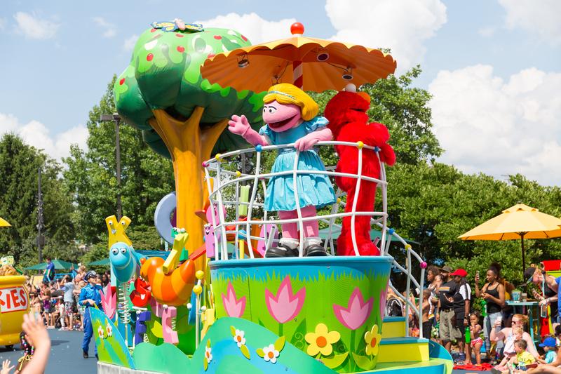 Sesame Place Parade © Zhi Qi   Dreamstime.com