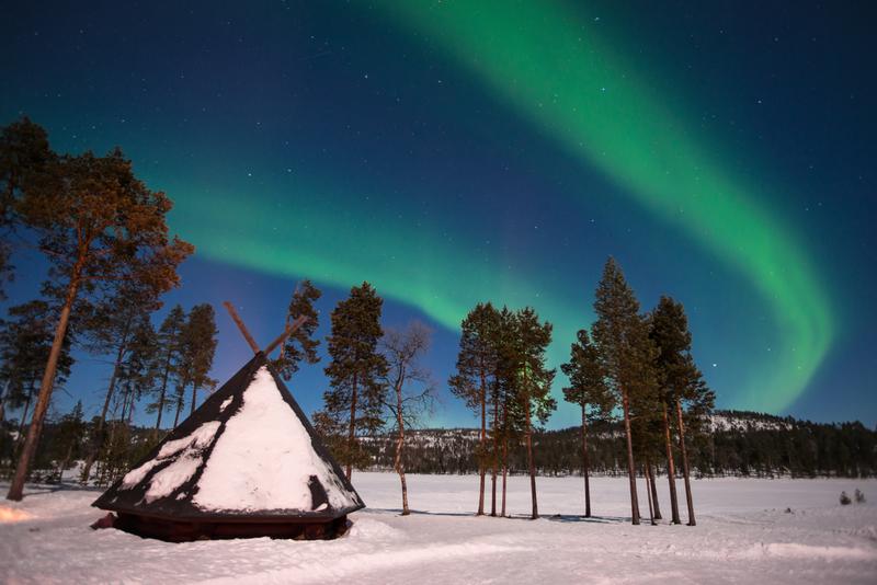 Northern lights, Aurora Borealis in Lapland, Finland © Delstudio | Dreamstime.com