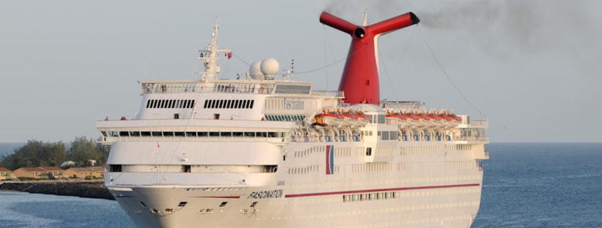 Carnival Cruise Line in the Bahamas © Ivan Cholakov | Dreamstime.com