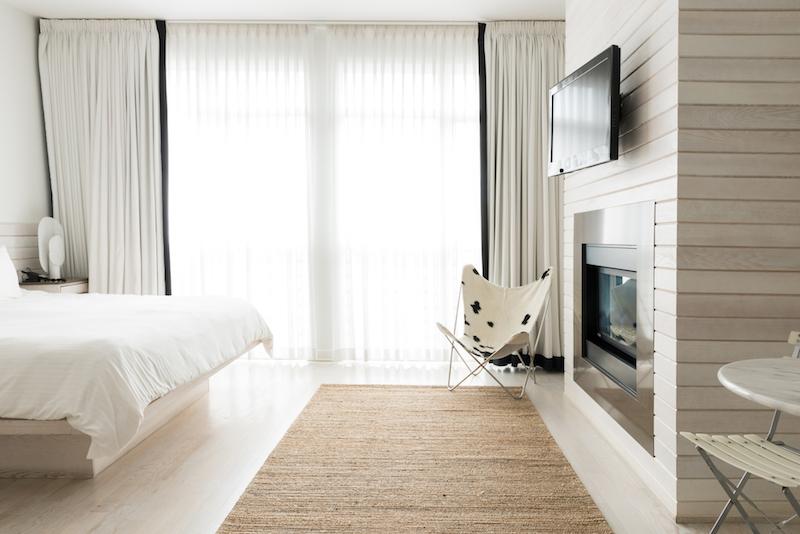 Guestroom © Bungalo Miami