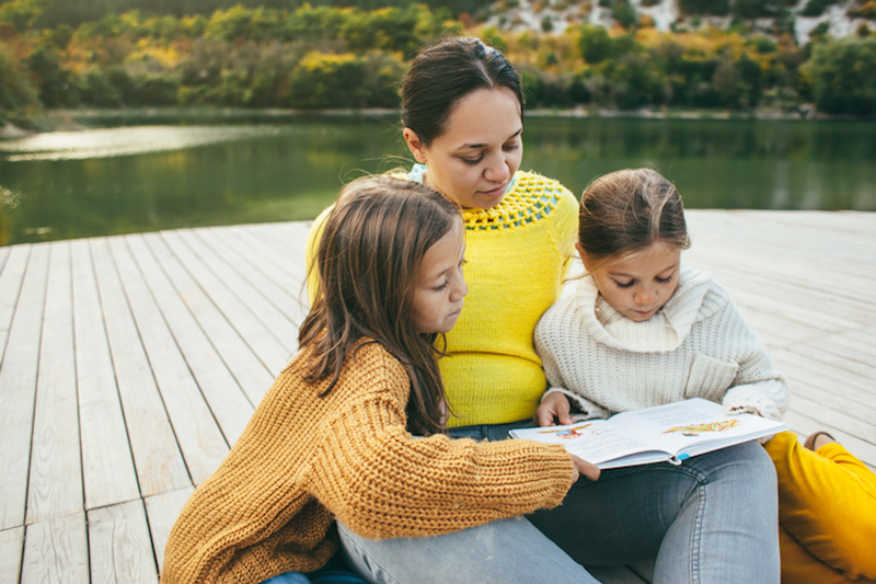 Family spending time together by the lake © Alena Ozerova | Dreamstime.com