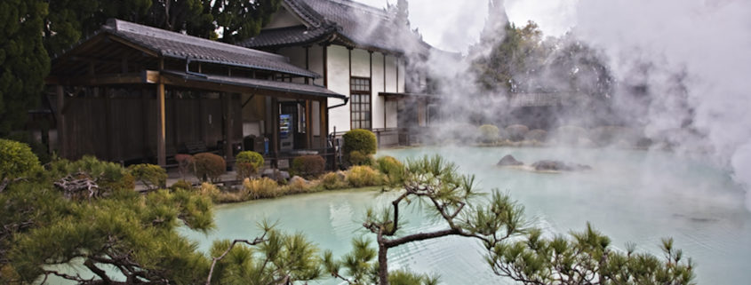 Beautiful and traditional hot spring in Japan © Hikariphoto | Dreamstime.com