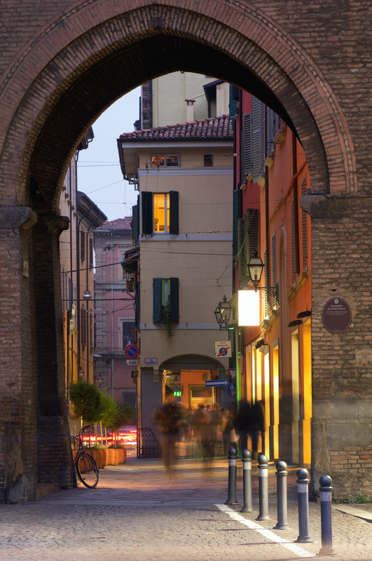 Typical old alley in Bologna, Italy © Jborzicchi | Dreamstime.com