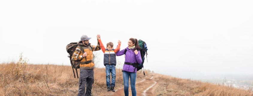 Family backpacking vacation © Lightfieldstudiosprod | Dreamstime.com