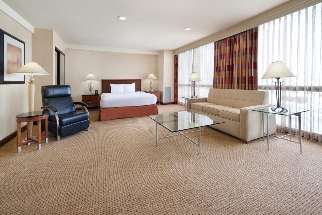 Hilton Chicago O'Hare Family Suite.