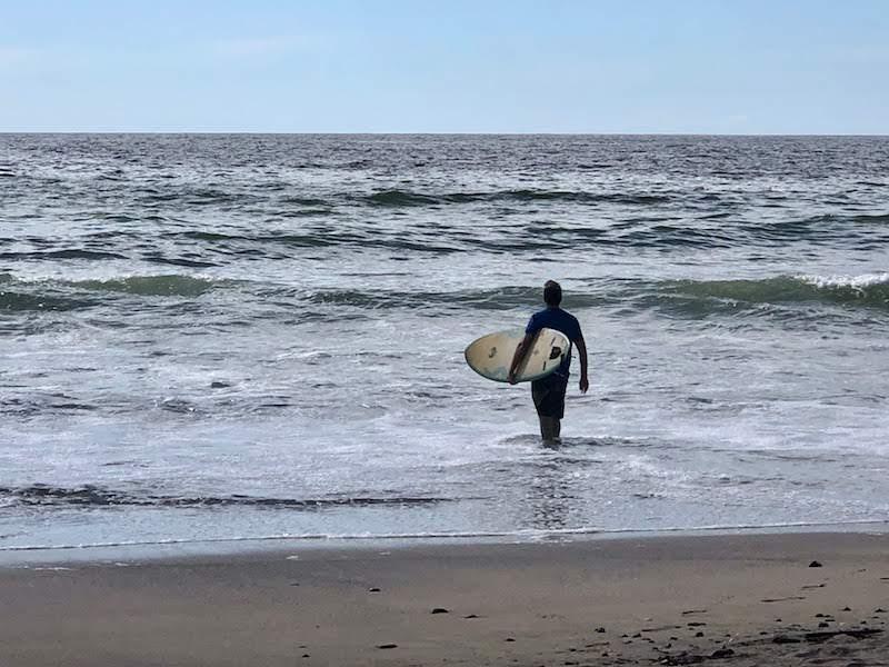 Surfing © Rina Nehdar