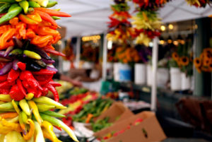 Farmers Market © Phinizrl | Dreamstime.com