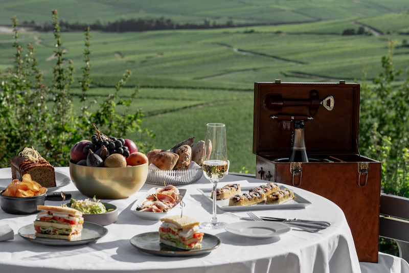Pique-nique set up. Photo: Royal Champagne Hotel & Spa
