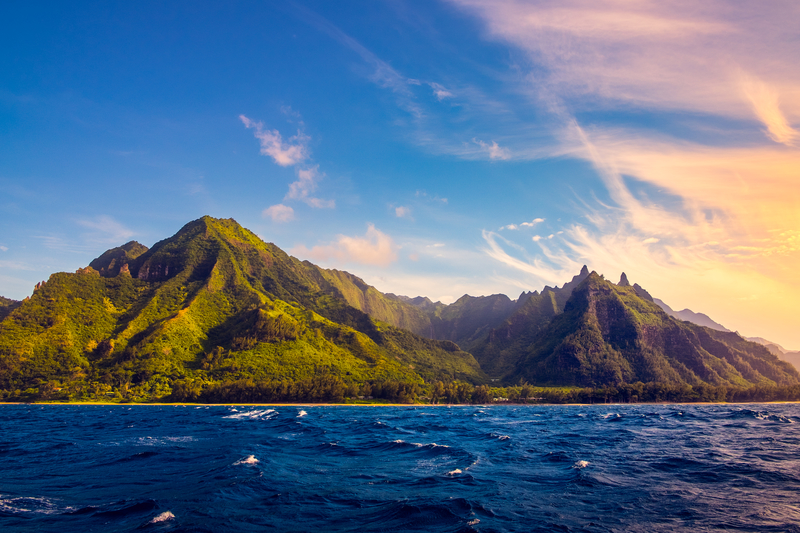Na Pali coast at sunset, Kauai, Hawaii.