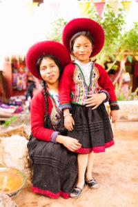 Peru, Chinchero Girls