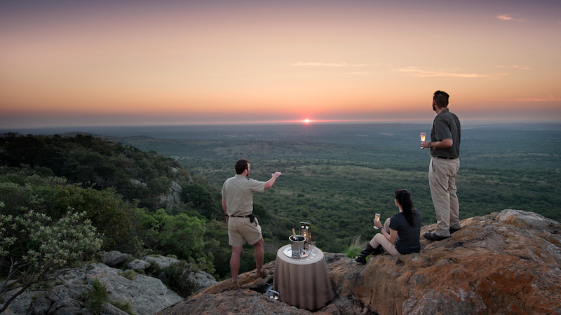 romantic-bush-dinner-in-phinda.jpg_11