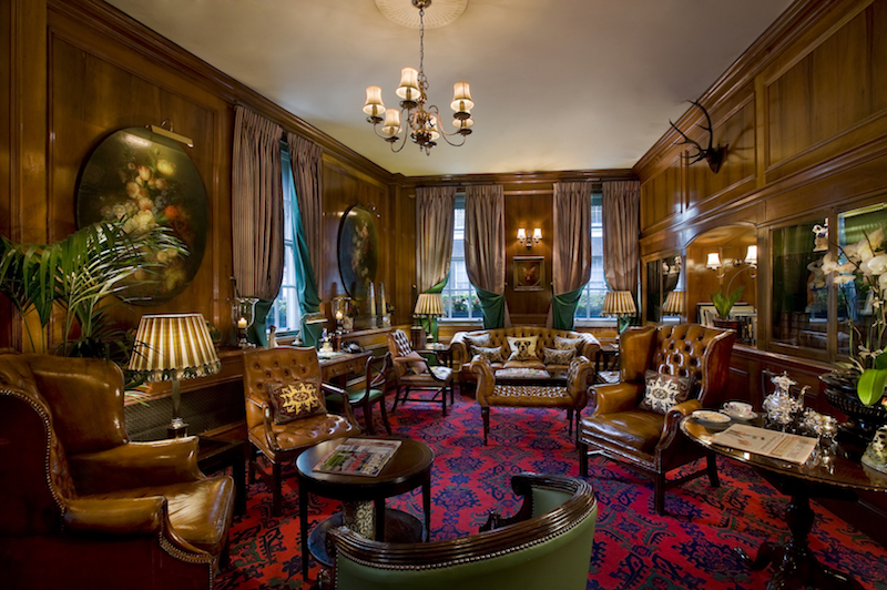 Library. Photo: The Chesterfield Mayfair